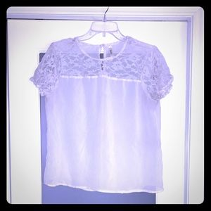 White lacy top 🌸
